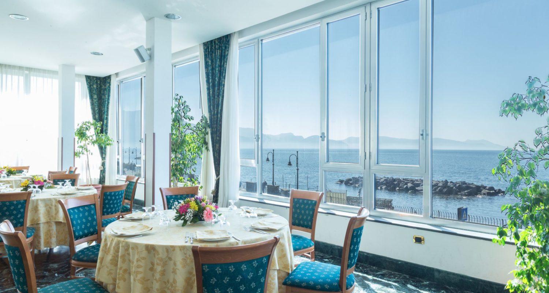 hotel_holidays_a_torre_del_greco_napoli_foto_ristorante.jpg